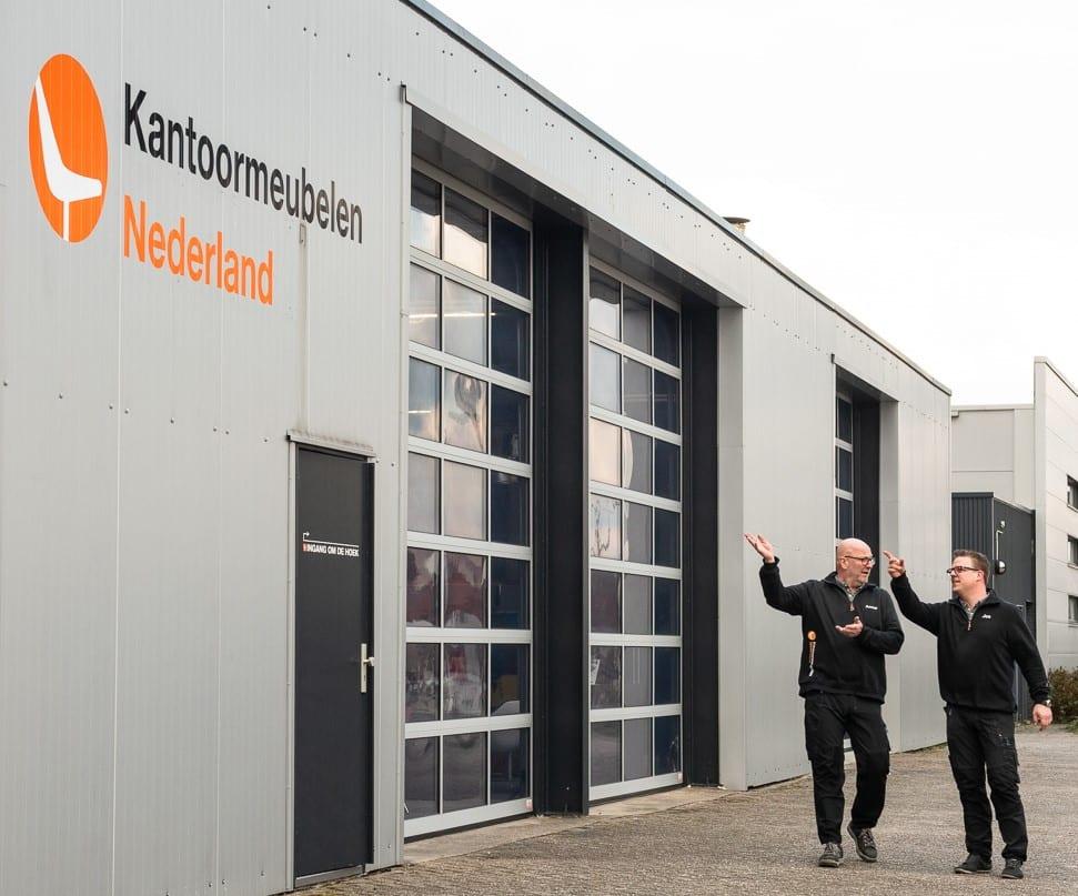 Jos en Anne van Kantoormeubelen Nederland